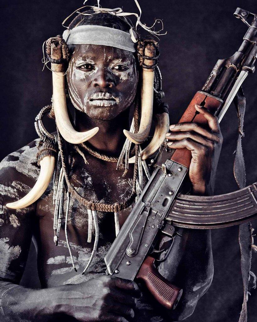 Представители эфиопского племени мурси (3)
