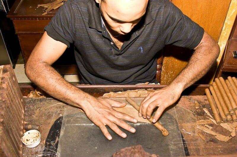 Как делают сигары в Доминикане