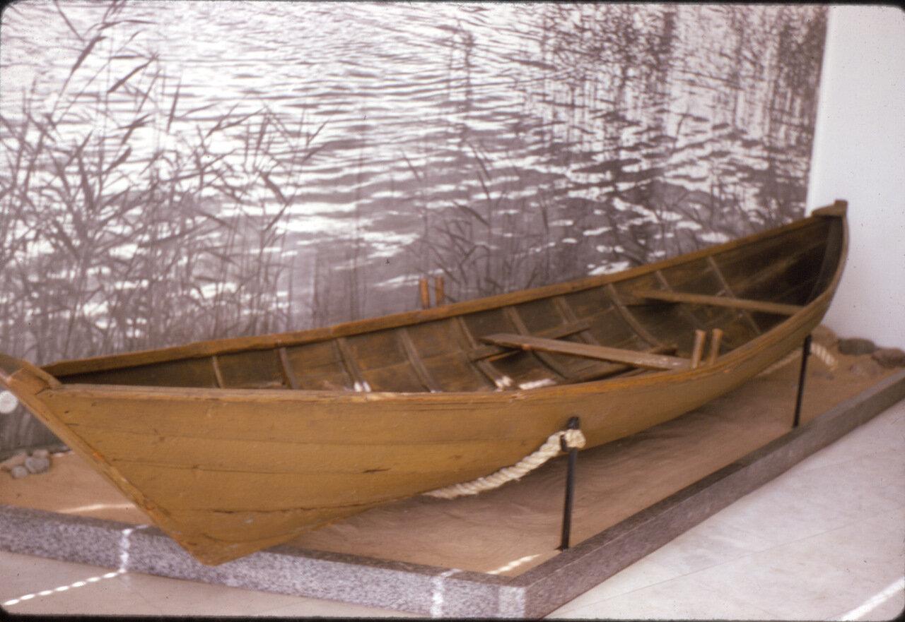 Лодка из Ленинского музея