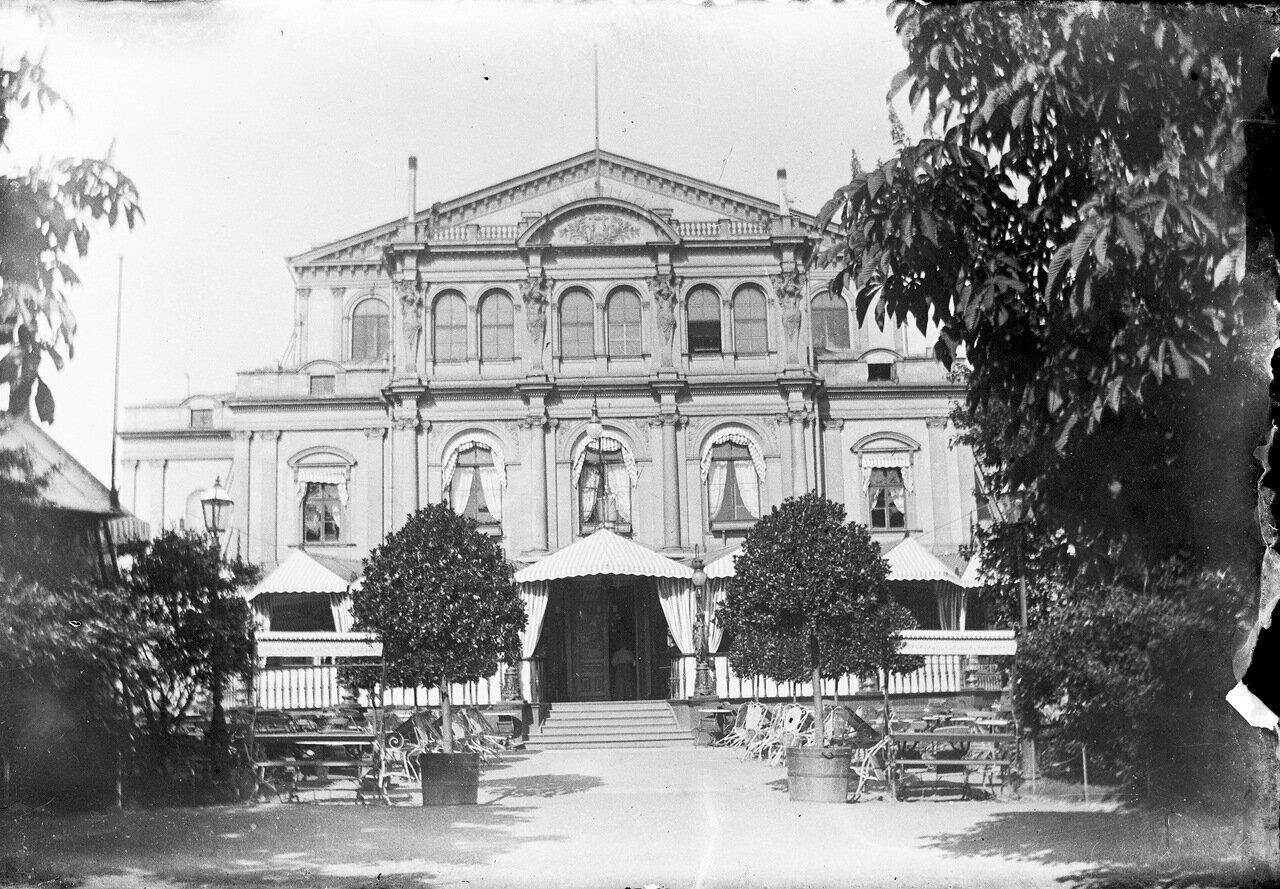 «Погребок Оперы» в доме шведского театра, Парк Эспланады. 1900