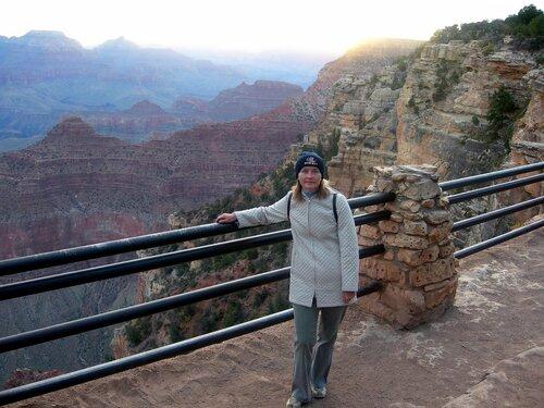 Прохладное осеннее утро Гранд-каньона.