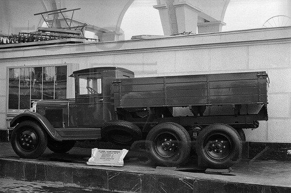 ЗИС-6, павильон Механизация и электрификация сельского хозяйства СССР, 1939 г.