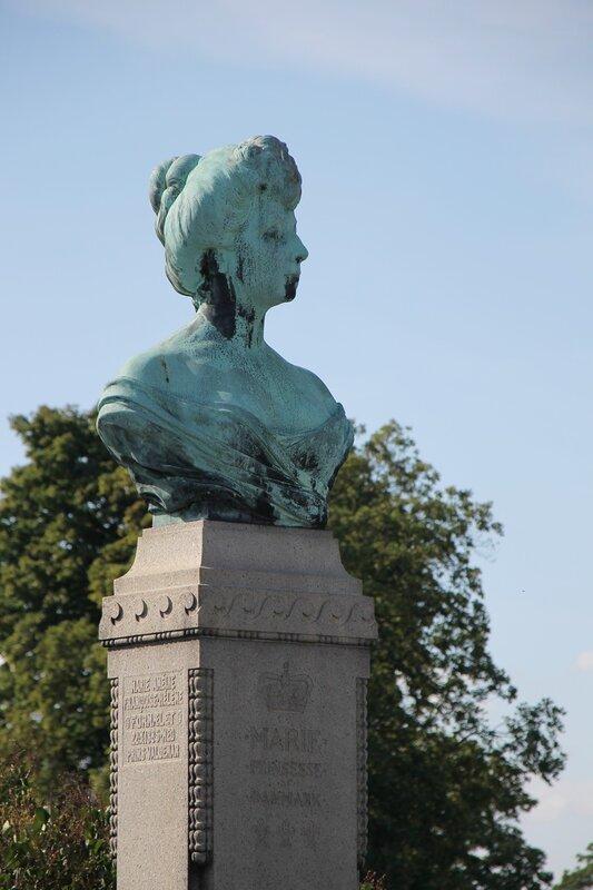 Копенгаген. Copenhagen. парк Лангелиние. Памятник принцессе Марии. Langelinie, Princess Marie of Orléans