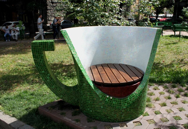 Скамейка чашка