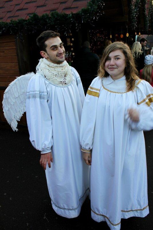 Ангелы на рождественской ярмарке