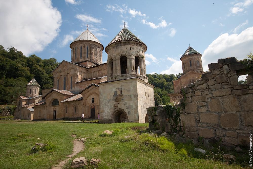 Гелатский монастырь.