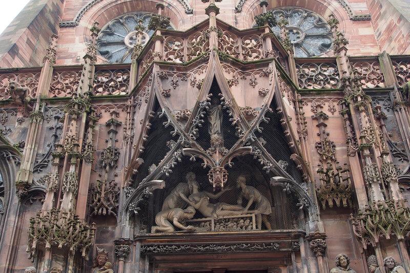 Страсбургский собор. Северный портал Св. Лаврентия. Мученичество Св. Лаврентия