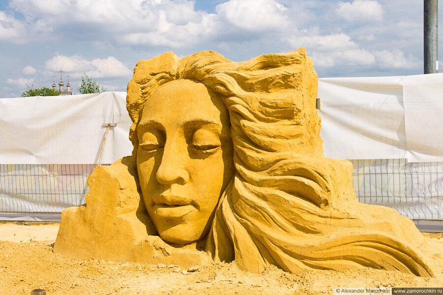 Скульптура из песка в Коломенском