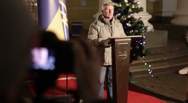 В новогоднюю ночь будет транслироваться обращение украинцев к Президенту