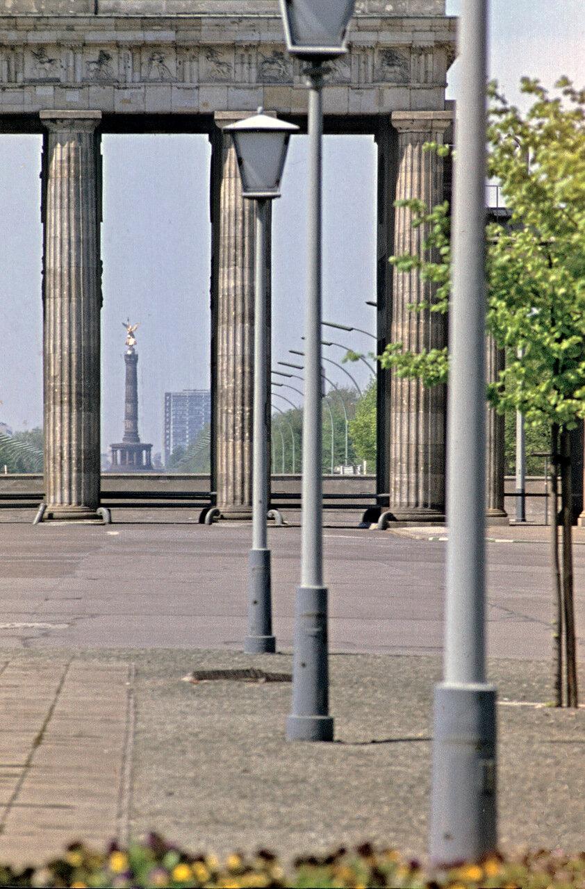 1965. Фрагмент Бранденбургских ворот