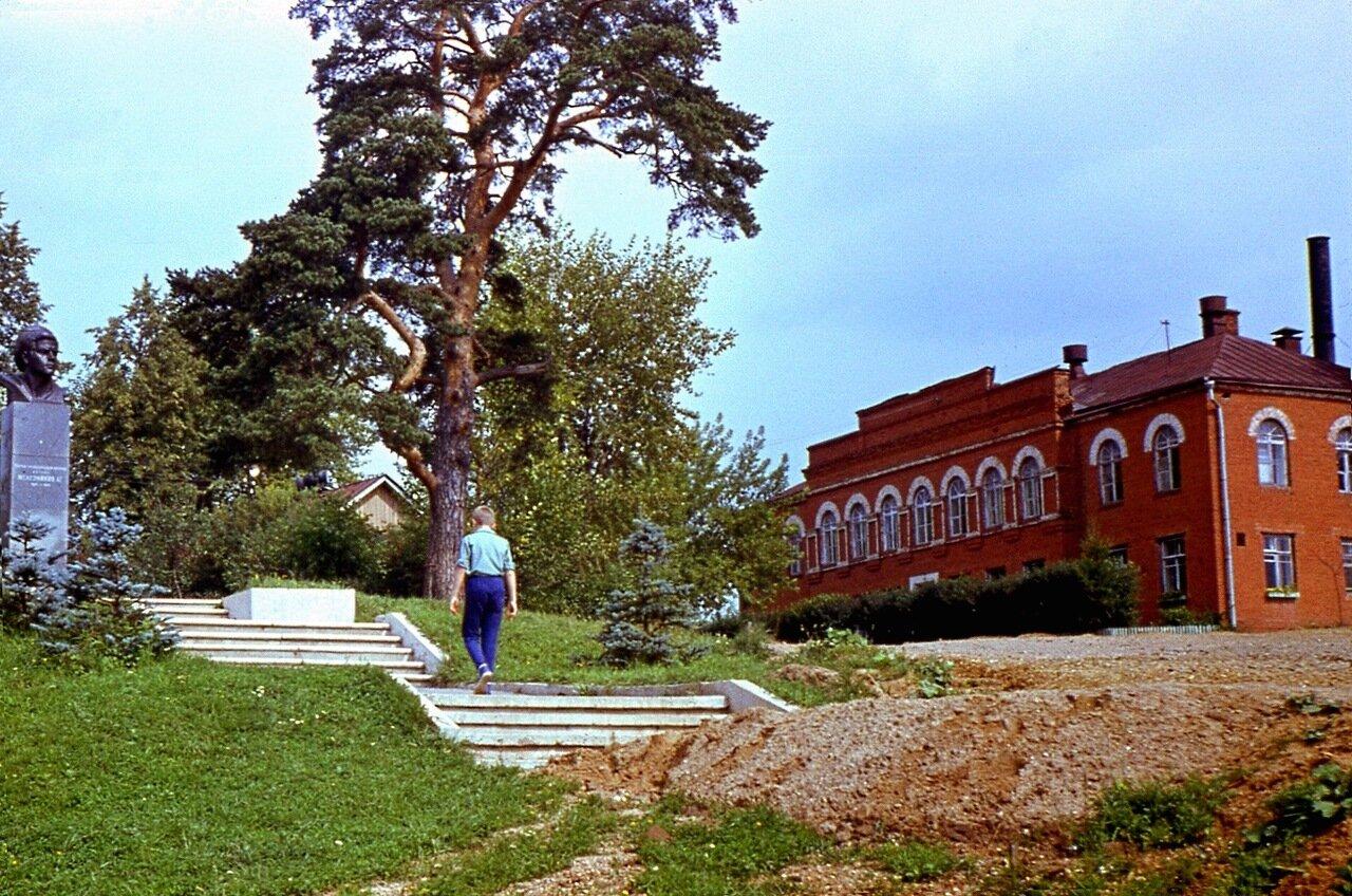 11. Федоскино, 1971.  Фабрика  и  музей