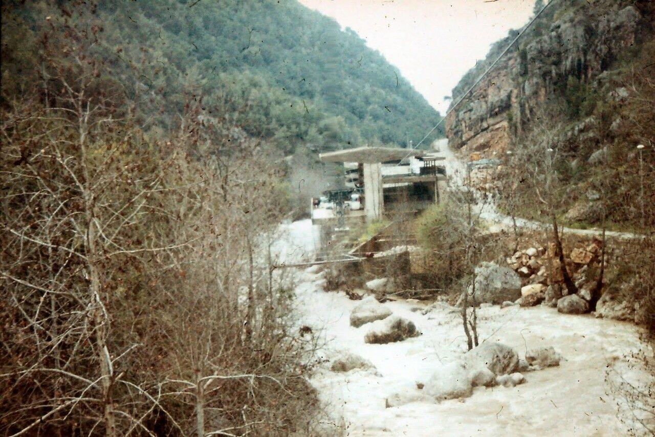 Vers les grottes de Jeita