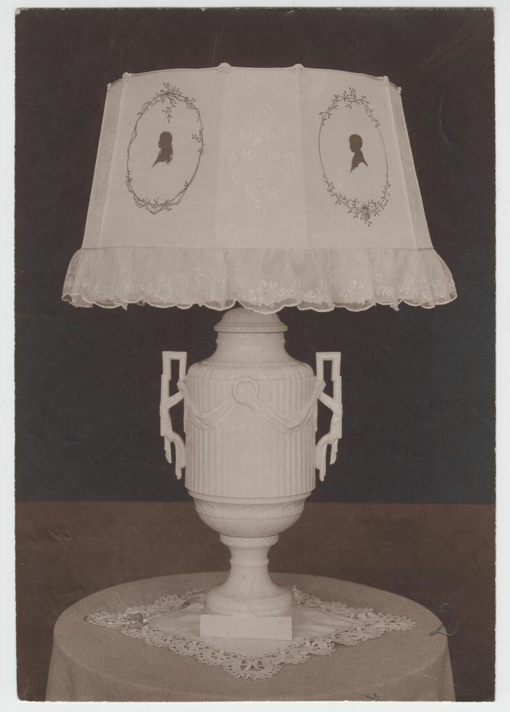 Старая лампа из имения в Польше