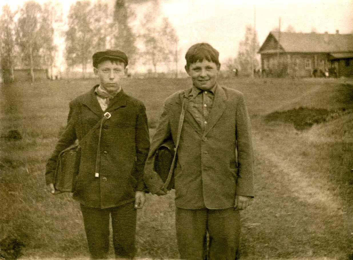1963. Школьники деревни Резанка