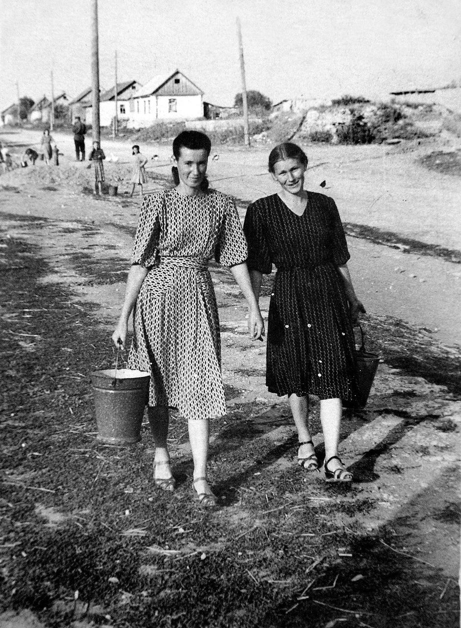 1955. Первые колонки провели  к 800-летию города Новосиля