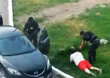 В Луганске неизвестные средь бела дня похитили мужчину