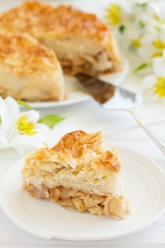 Apple pie of phyllo dough.