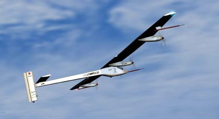 Самолет на солнечных батареях