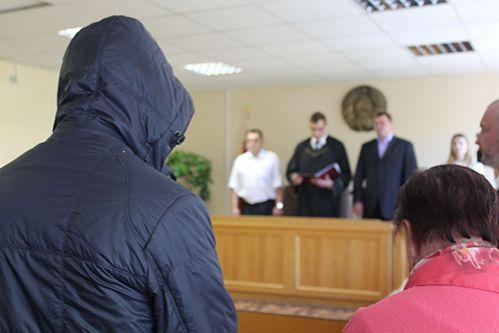 Вынесен приговор двум парням, которые под спайсом выкололи приятелю глаза: 11 и 15 лет лишения свободы в колонии усиленного режима