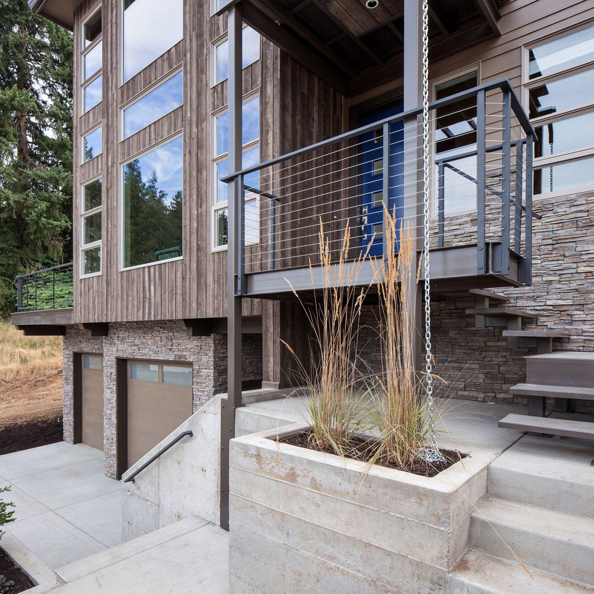 Crest Meadows Residence, Jordan Iverson Signature Homes, дома в штате Орегон, дерево в интерьере, фасад з натурального камня, обзоры домов в США