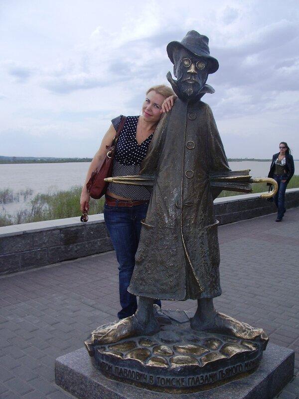 Россия, Томск - памятник Чехову (Russia, Tomsk - a monument to Chekhov)