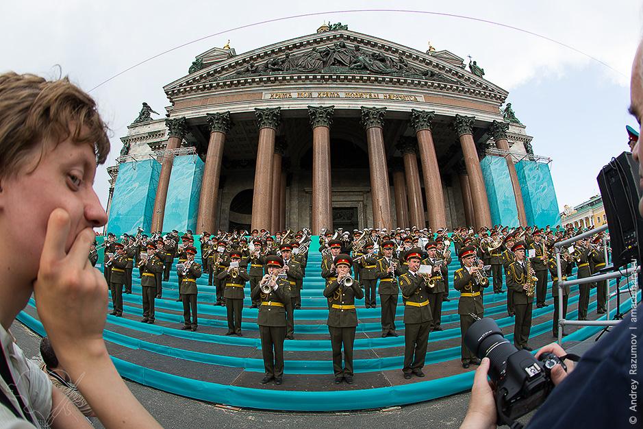 Оркестр у Исаакиевского собора