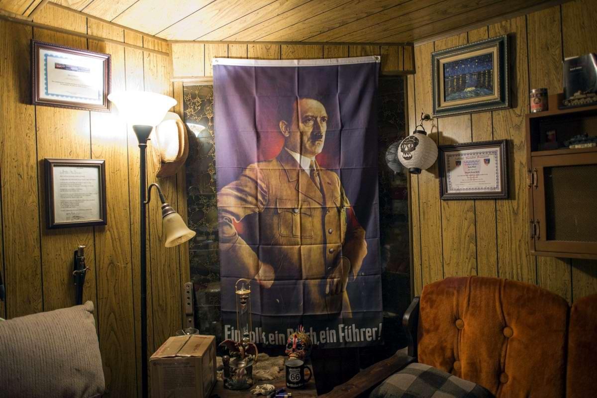 Торжество толерантности: Американский Ку-Клукс-Клан в новой подборке снимков фотографа Johnny Milano (30)