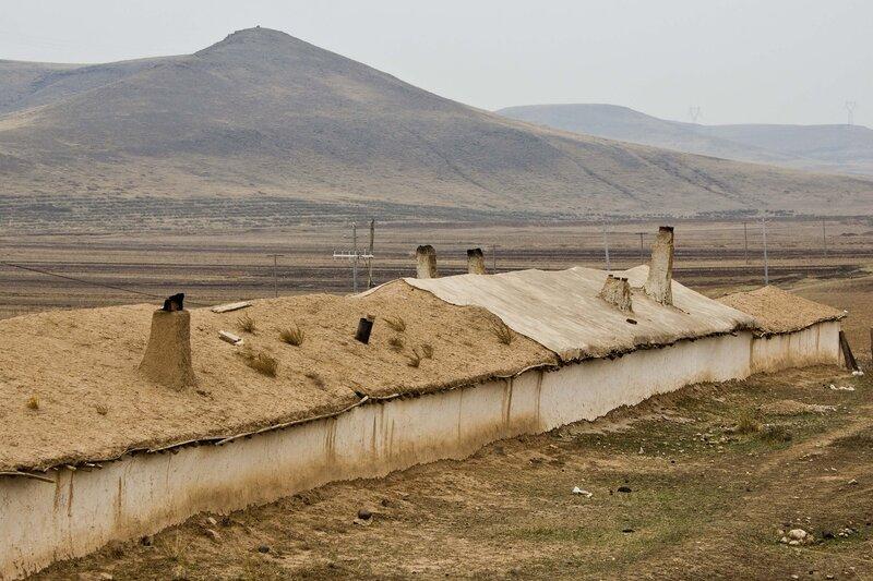 печные трубы и горы во внутренней монголии, китай