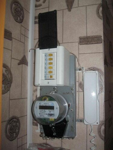 Фото 22. Квартирный щит. Сработал автоматический выключатель одной из групп. Диагностика показала, что этот автомат, несмотря на низкий номинал (16 А), защищает электроплиту.