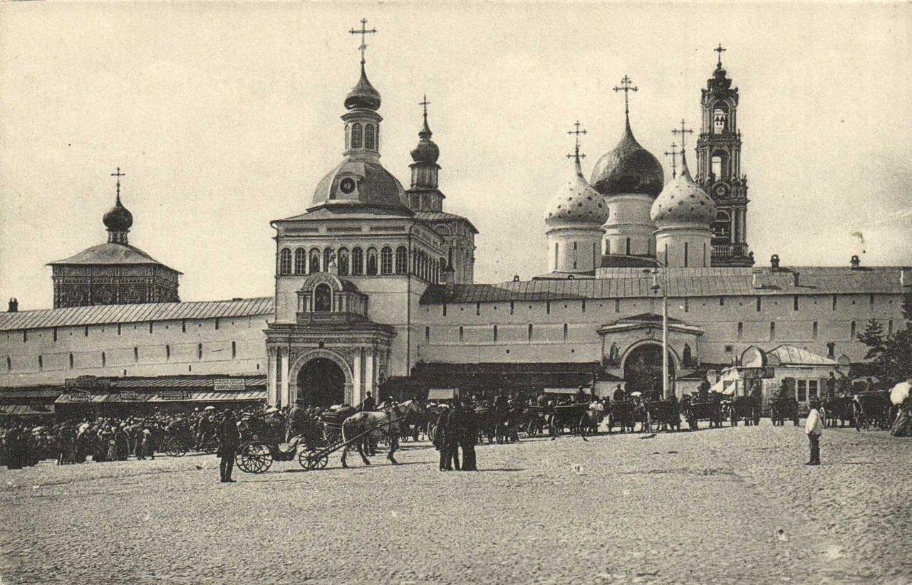 Троице-Сергиевская Лавра. Св. ворота
