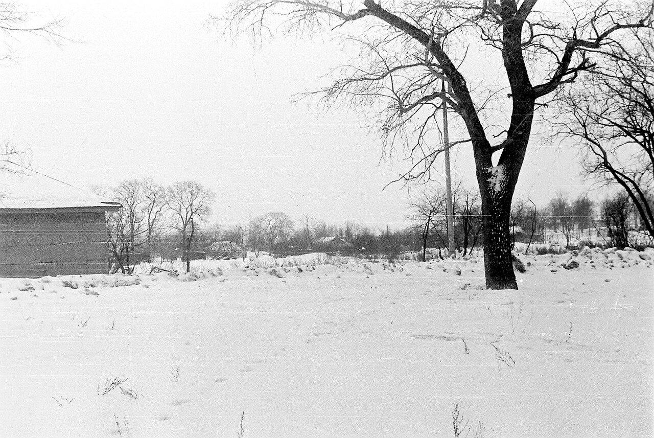 1978. Улица Большая, слева видны колхозные автомобильные весы, по улице все дома уже снесены, но в глубине еще сохранились