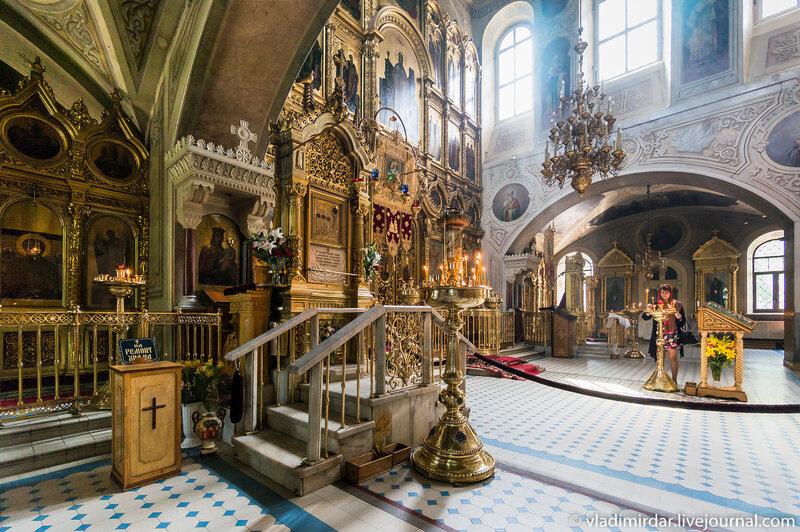 Чудотворная икона святого Трифона в Церкви Знамения на Рижской