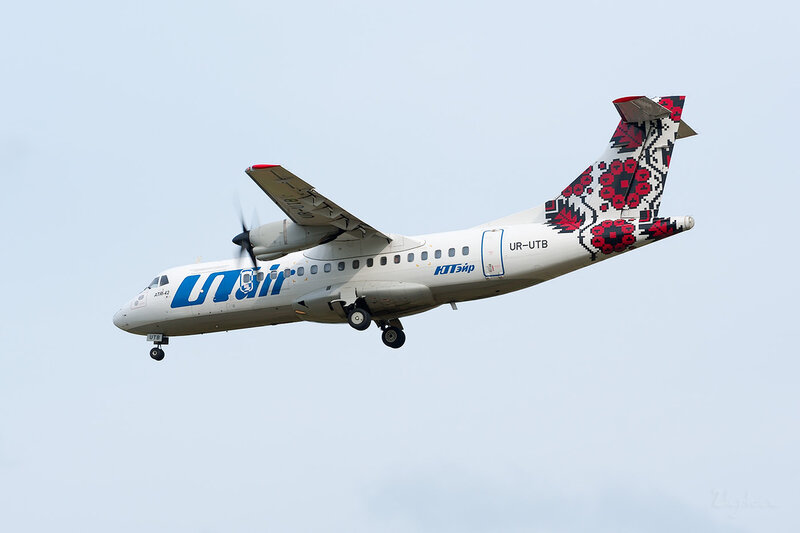 ATR-42-300 (UR-UTB) ЮТэйр Украина DSC_3967
