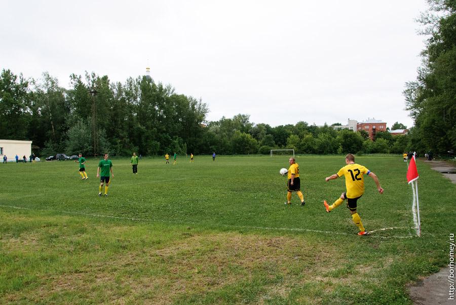 играть в футбол в сарове