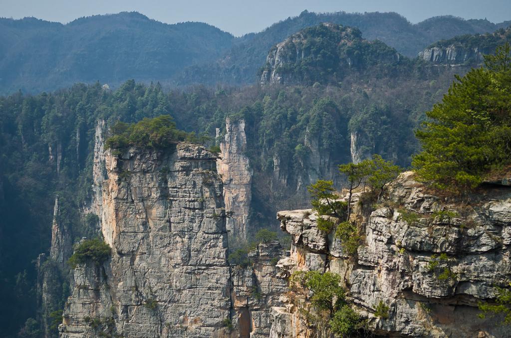Фото 10. Туры в Китай самостоятельно. Отчет о поездке в природный лесной парк Чжанцзяцзе. Сколько миллионов лет стоят здесь эти карстовые скалы?