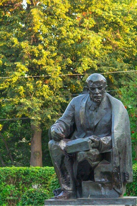 Памятник Ленину - парк Красная Пресня