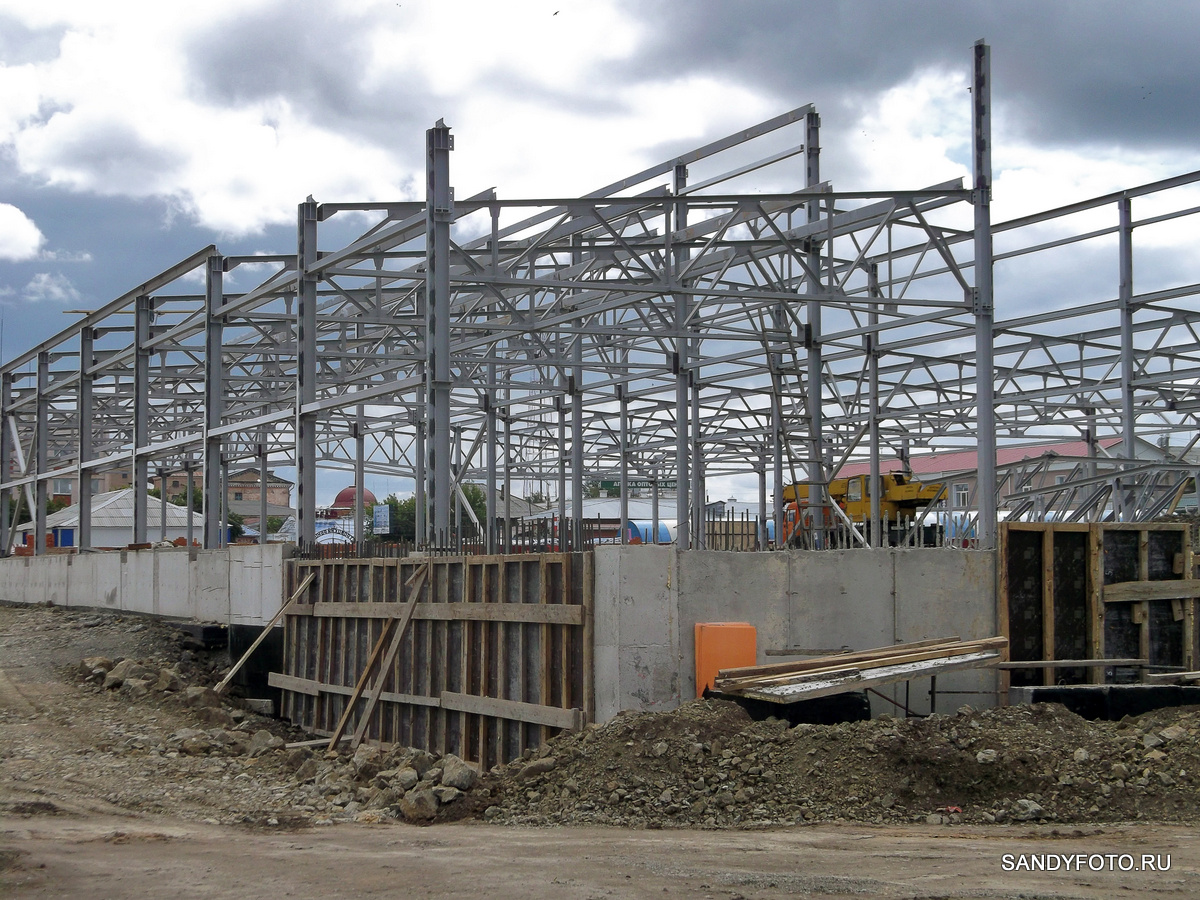 Строительство крытого рынка в Троицке