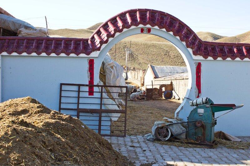 китайский поселок в предгорьях Инь Шаня