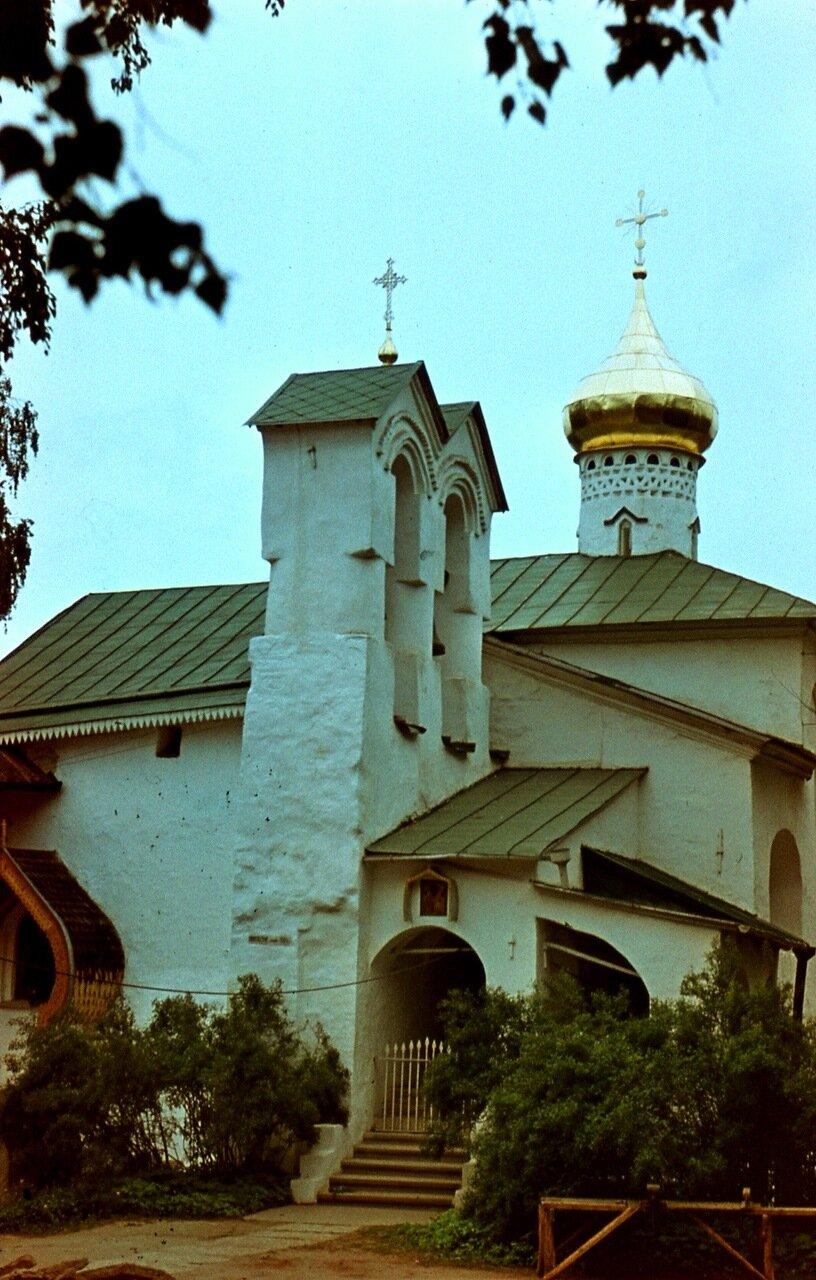 Печоры. 1. Свято-Успенский монастырь