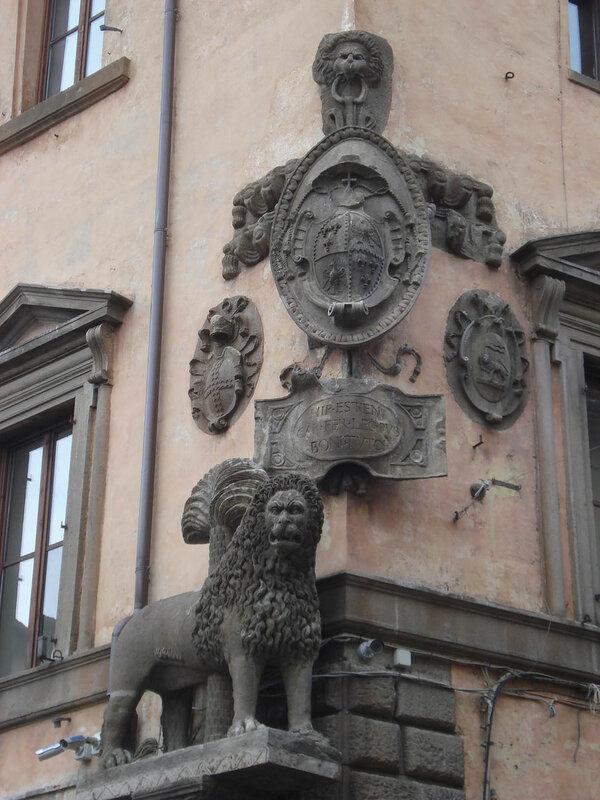 035-лев на палаццо Комуне.jpg