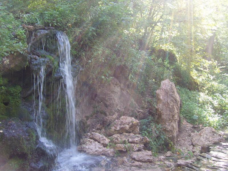 Пущинский родник и водопадик