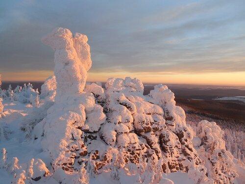 Скала Верблюд на горе Качканар (Свердловская область). Автор фотографии - Алексей Белов.