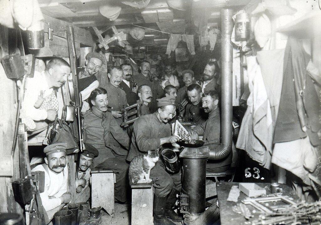 Cramped conditions deep underground in a 'Hangstellung'