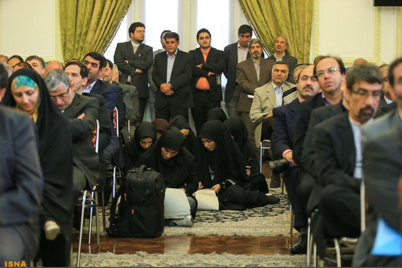 Журналистки в Иране. Tags. Фейспалм.