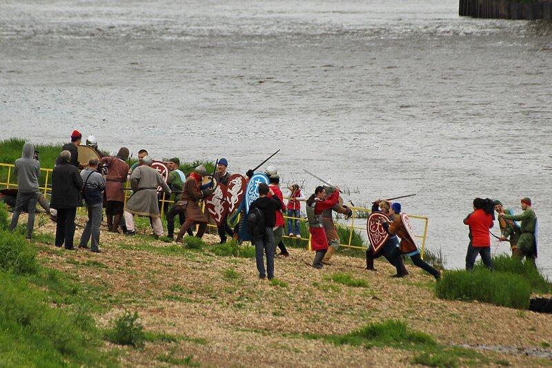 реконструкция битвы новгородских ушкуйников и местного населения Вятки