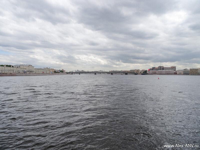 Литейный мост через Неву.