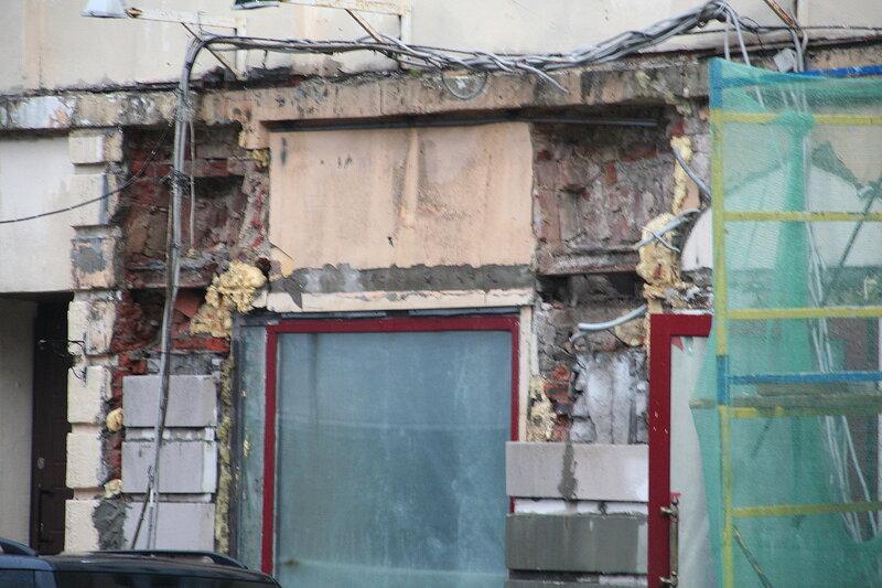 Незаконные работы на фасаде Объекта культурного наследия. Покровка, дом 6