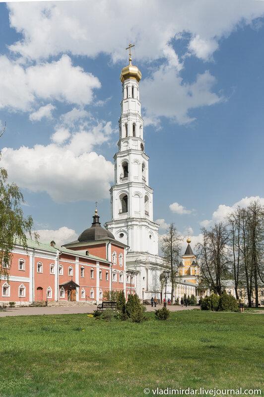Колокольня Николо-Угрешского монастыря