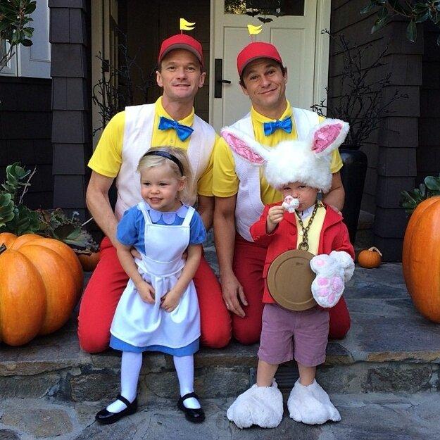 Нил Патрик Харрис и его гомосексульная семья на Хэллоуин