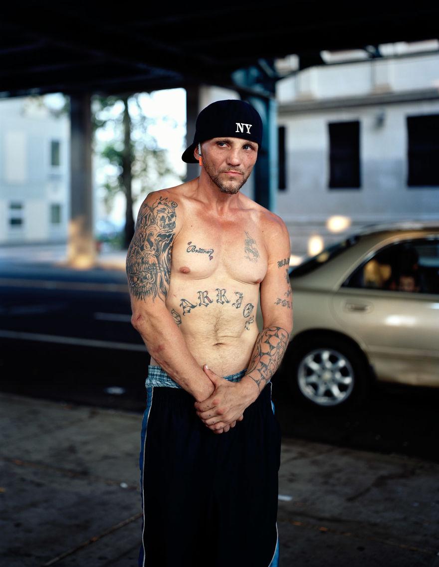 Винни, бывший профессиональный боксер.